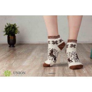 Короткие шерстяные носки коричневые с оленями