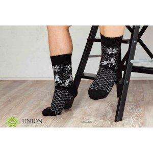 Шерстяные носки с оленями черного цвета