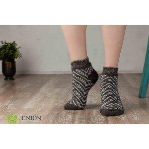 Короткие шерстяные носки коричневые с орнаментом