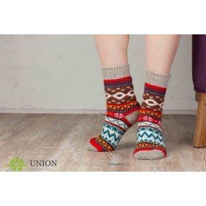 Шерстяные носки красного цвета